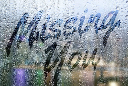 Create a text on a Foggy Rainy Window in Photoshop Tutorial