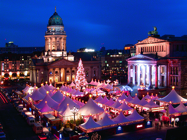 Christmas in World's Most Beautiful Cities - 3