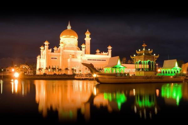 Bandar Seri Begawan at night (Brunei)