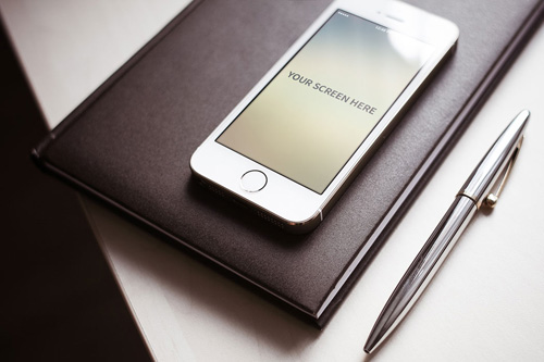 Iphone Photorealistic PSD Mock-ups