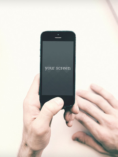 Free Iphone 5 photorealistic mockups
