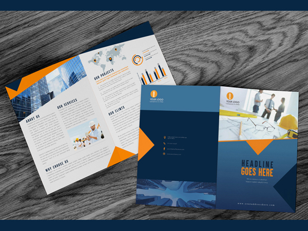 Free Brochure Mock Up Psd With Wooden Backgroun