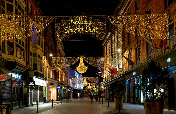 Christmas in World's Most Beautiful Cities - 35