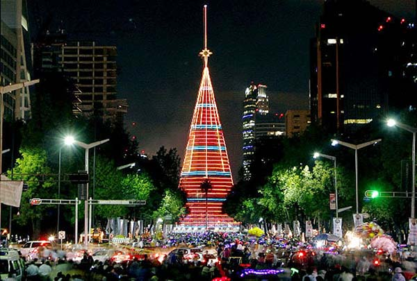 Christmas in World's Most Beautiful Cities - 41